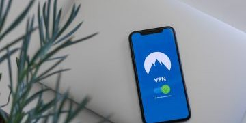 black smartphone vpn